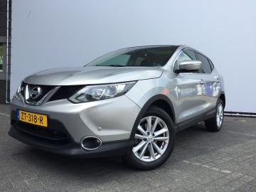 Nissan QASHQAI 1.2 Connect Edition * Navi / panodak / camera / trekhaak +495 *