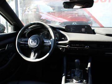 Mazda 3 HB 2.0 SkyActiv-X 180PK Luxury , Demovoordeel € 3.840,- , Automaa